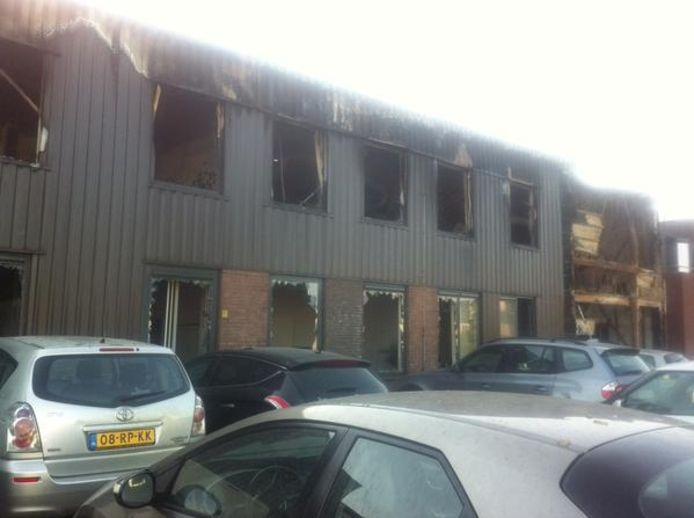 De schade van de brand bij Xycarb Ceramics is vrijdagochtend pas goed duidelijk.
