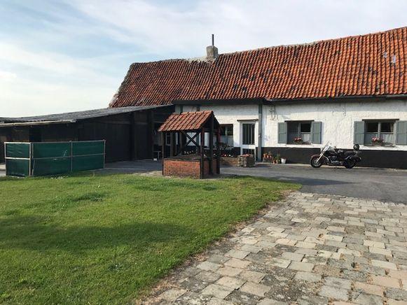 De hoeve Van Looy is al jarenlang een bekende baken op de Laaglandlaan.