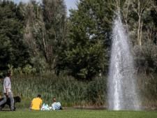 Deze hoogste fontein van Gelderland in Duiven spuit het water 36 meter de lucht in