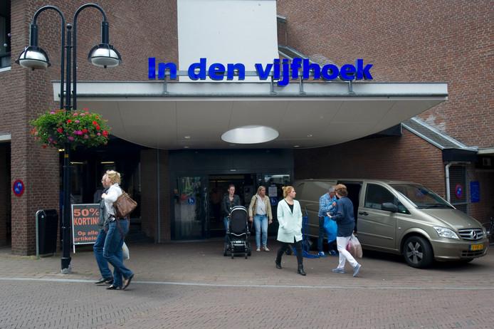 Medikamente die Grenze opent 1 april een vestiging in De Driehoek en sluit op 1 november de deuren van haar filiaal in winkelcentrum In den Vijfhoek.