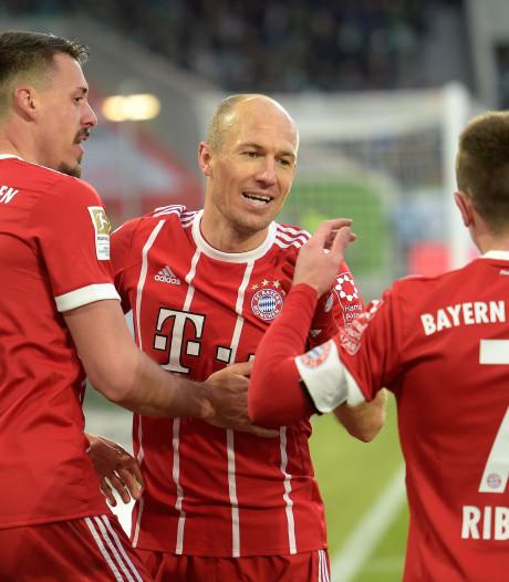 Bayern wint in blessuretijd vanaf de stip na overtreding op Robben