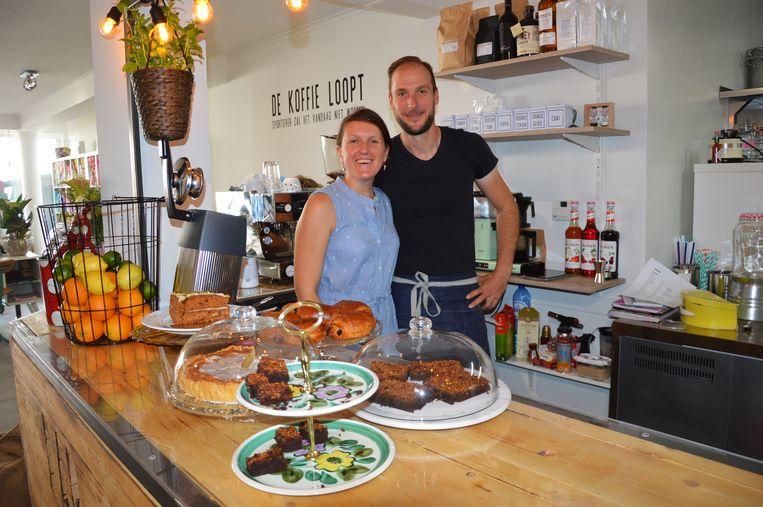 Tom Verbeken en Sofie Van Kerkhoven van Bar Sajet in de Biezenstraat in Ninove.