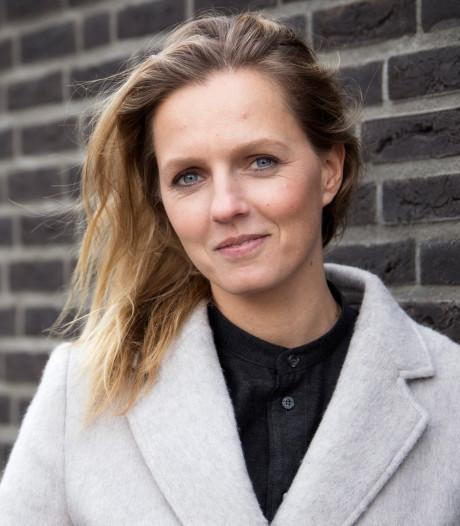Leonie ter Braak: 'Absurd dat jonge vrouwen strijken voor hun man'