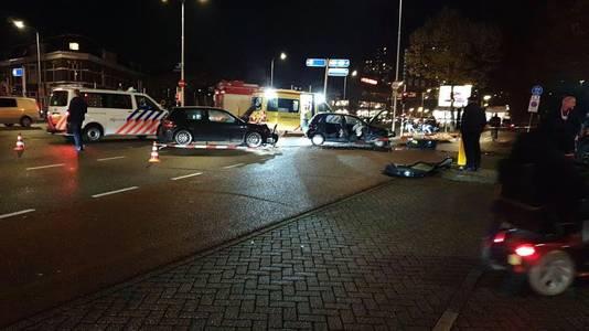 Twee auto's botsten op elkaar in Nijmegen.