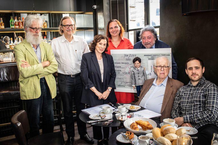 Het verhaal van de familie Bloch wordt vereeuwigd in een boek en poppentheaterstuk.