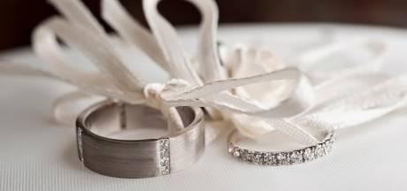 Tik op vingers voor Heusden en Waalwijk; verboden inkomenseis gratis huwelijken levert telefoontje minister op