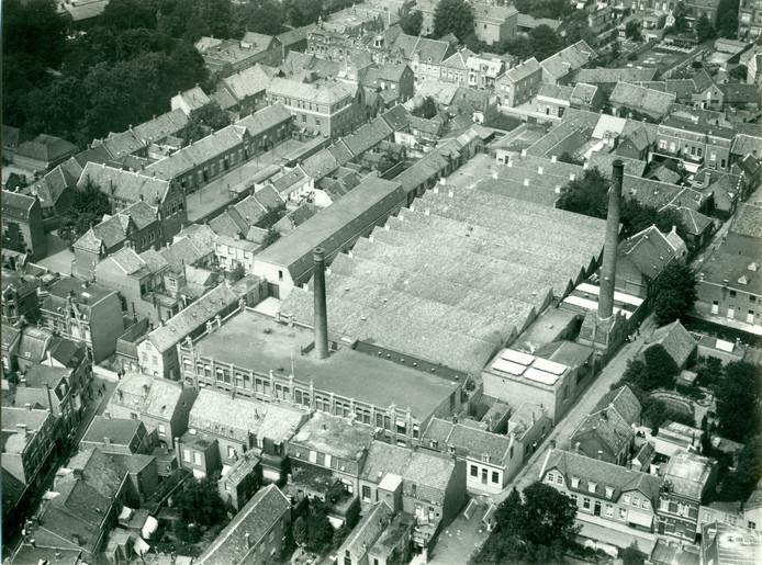 De wolstoffenfabriek van de Heuvelstraat werd in 1863-1865 verplaatst naar de Tuinstraat en daar aanzienlijk uitgebreid.