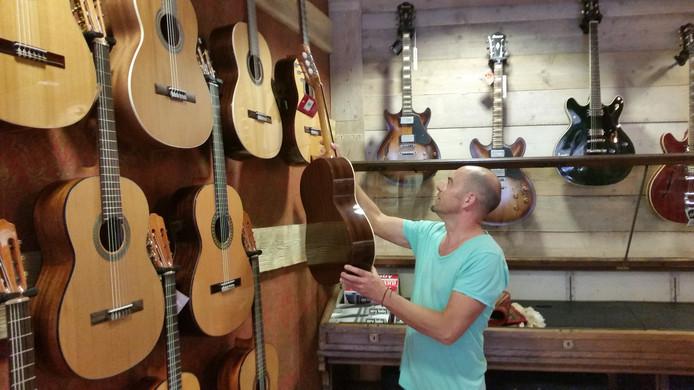 Op zondag 28 augustus opent The Guitar Factory in de Kerkstraat.
