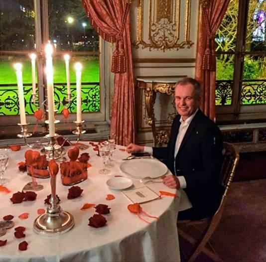 Francois de Rugy, voormalig parlementsvoorzitter, tijdens een (Valentijns)diner met zijn vrouw.