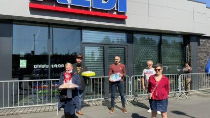 PVDA trakteert winkel- en zorgpersoneel op lekkernijen