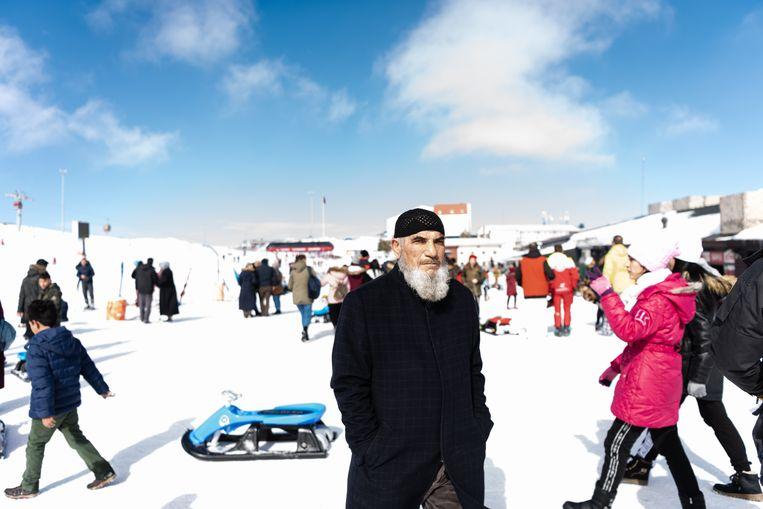 Turken zijn dol op sneeuw, maar skiën ho maar. Beeld Katja Poelwijk