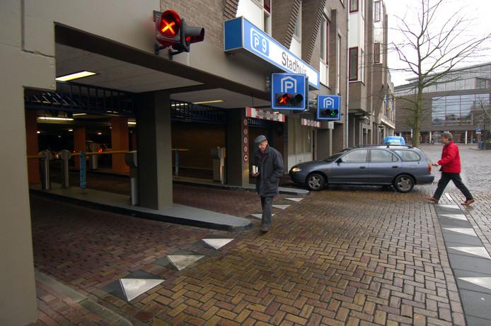 Onder meer in Stadsbaken P9 is op drukke tijden vaak nog wel ruimte, maar de route ernaartoe is erg onduidelijk, meent de VVD.