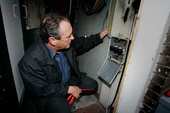 Super Boete na illegaal aftappen stroom voor sauna | Waalwijk, Heusden XA58
