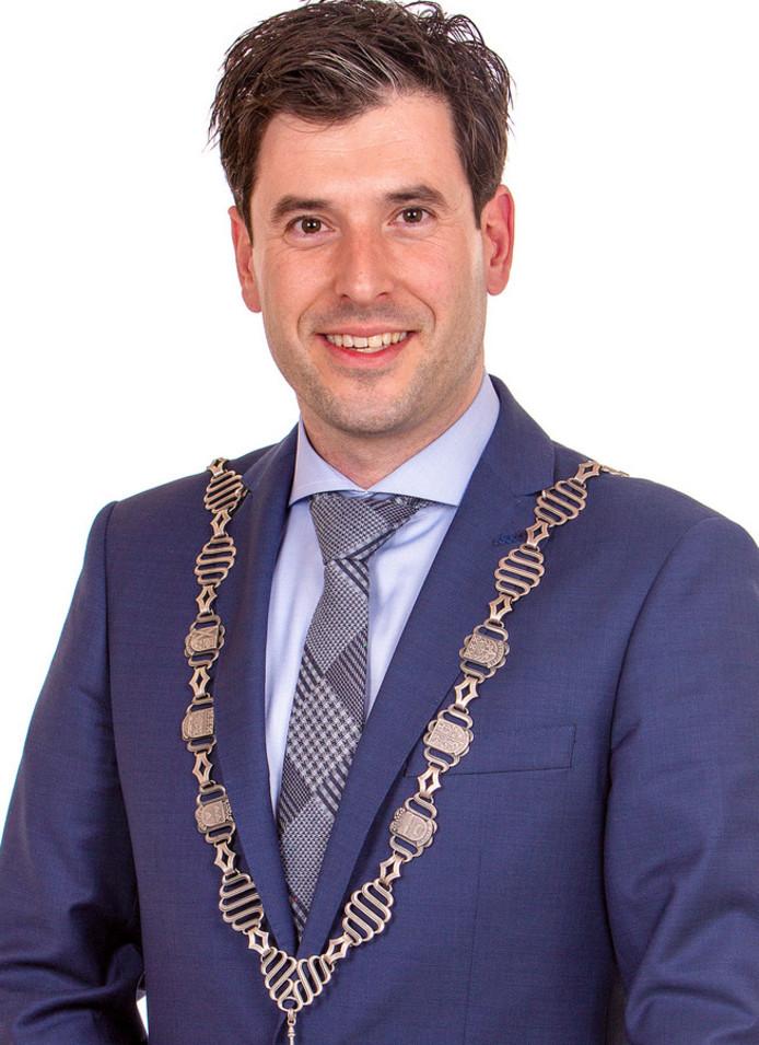 Burgemeester Joeri Minses van Alphen-Chaam.