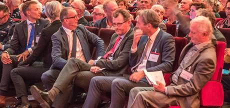 Boosheid in Zwolle over vliegroutes: 'U moet stoppen, dit is bullshit!'