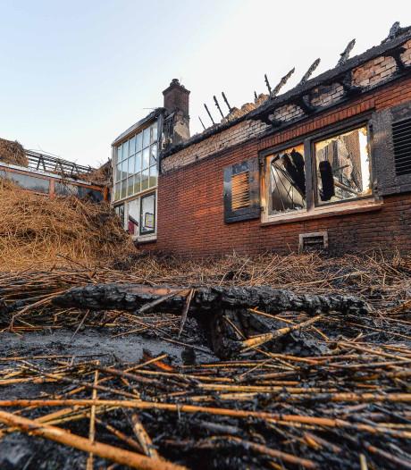 Gemist? Brand in verslavingskliniek Ugchelen, Wietse uit Deventer getuige van aanslagen in Sri Lanka