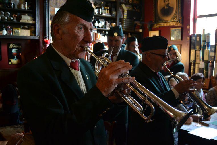 Enkele leden van fanfare De Mottegalm.