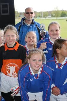 Vier scholen in de prijzen bij Deventer schoolvoetbal