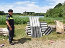 Onbekende dumpt asbest bij Noorderplas Tilburg: 'Zeer gevaarlijk voor natuur'