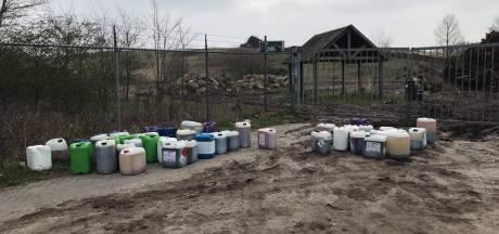Grote drugsdumping in Bergen op Zoom: tientallen vaten gevonden, politie en gemeente in actie