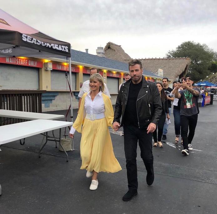 """John Travolta et Olivia Newton-John aka """"Danny et Sandy""""."""