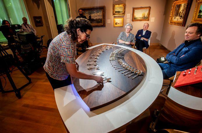 Maandag vonden in het Dordrechts Museum 'coronaproof' opnames plaats van het tv-programma Tussen Kunst en Kitsch.