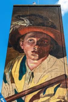 Kunstenaars in Overvecht maken grootste muurschildering van Utrecht: 'Dit is geen street art'