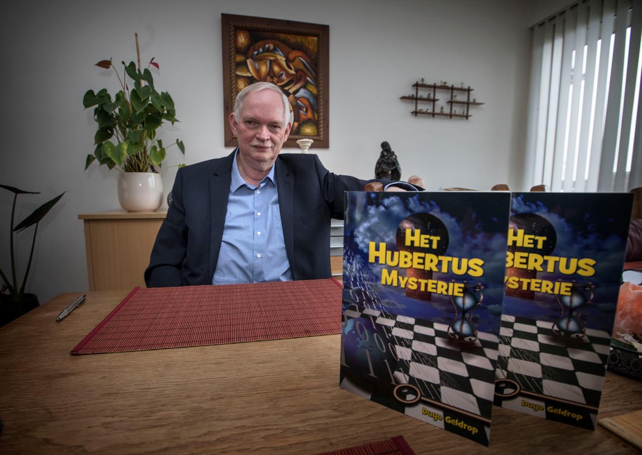 Jan Bakker uit Geldrop schreef het boek 'Het Hubertus Mysterie'.