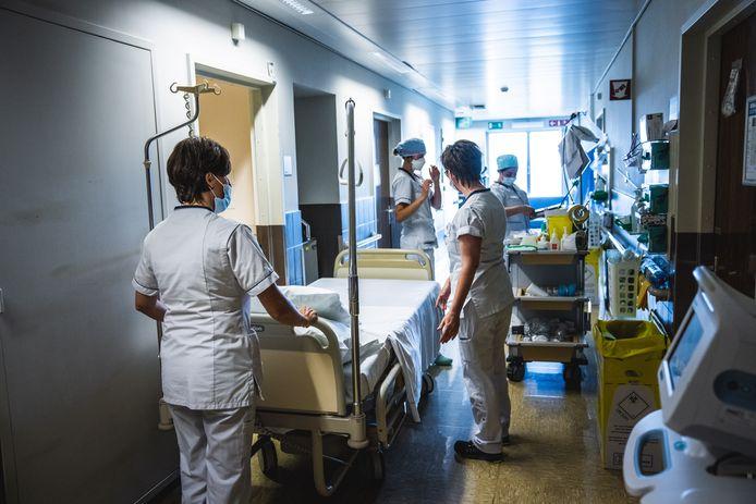 Alle ziekenhuizen moeten vanaf 2 november 60% van de bedden op de intensieve zorgen voorbehouden voor coronapatiënten