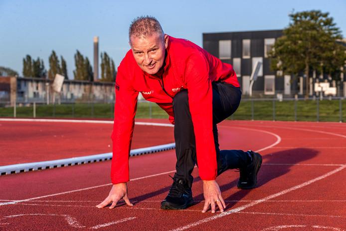 Bert Eskens eigenaar van Bert Eskes, eigenaar van Athletic Point (AP),  is één van de gebruikers van de atletiekbaan in het Amaliapark.