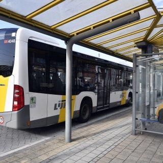 Directie en bonden De Lijn onderhandelen dinsdag 8 uur over staking Vlaams-Brabant