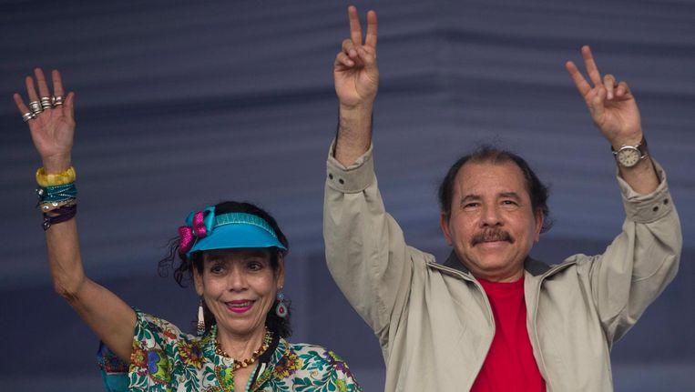 Daniel Ortega en zijn vrouw Rosario Murillo gaan samen op voor het presidentschap. Beeld ap