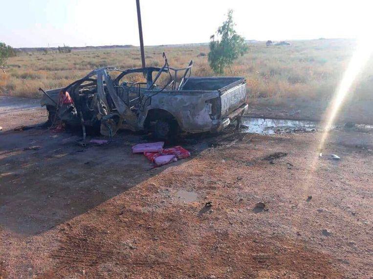 Een autowrak na de bewuste droneaanval.