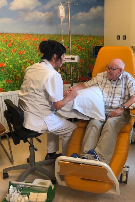Oncologieverpleegkundige Beatrixziekenhuis nu te zien in tv-commercial over de zorg