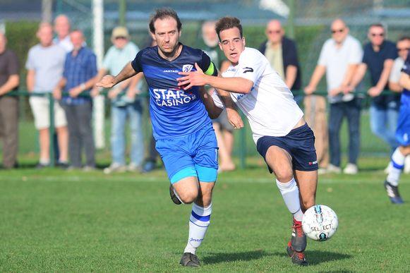 Archiefbeeld van de wedstrijd tussen SK Nossegem en FC Perk (wit).