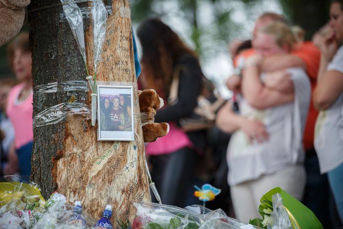 Ter ere van Jordy lag er bij zijn afscheid een bloemenzee op de plek waar hij om het leven kwam.