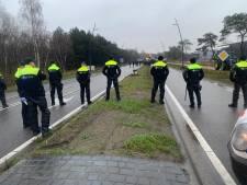 Vakantie in knel door boze boeren: reizigers Eindhoven Airport missen vlucht