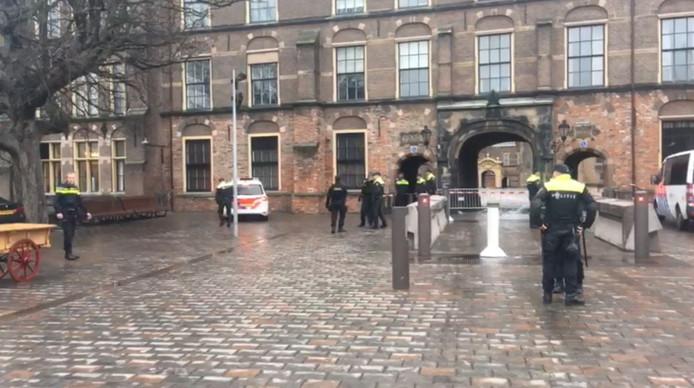 Man gearresteerd bij Binnenhof.