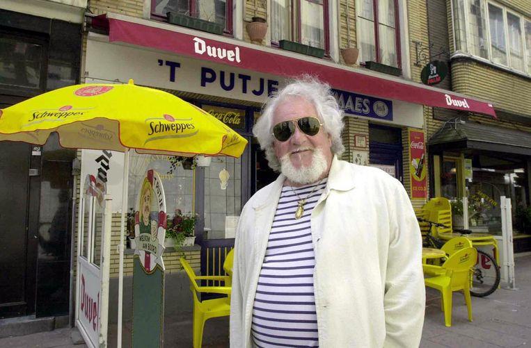 Herman Leemans woonde al een tijd in Oostende. Enkele jaren geleden toonde hij ons zijn stamcafé daar.