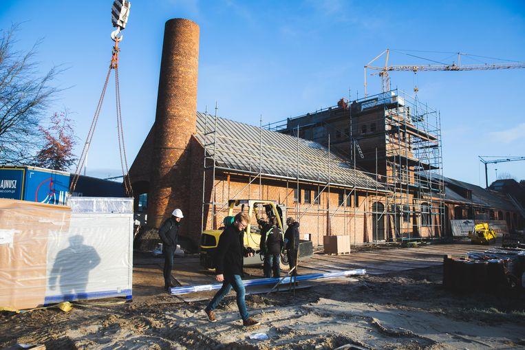 De werken om het voormalige Gasthof Haeseveld om te vormen tot een brouwerij zijn volop aan de gang.