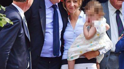 Eeuwige vrijgezel Hugh Grant eindelijk getrouwd, zoals in z'n films