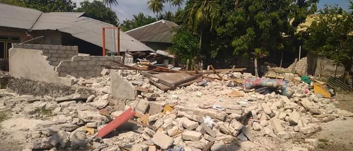 Bij de zware aardbeving op de Molukken werden eind september veel huizen verwoest.