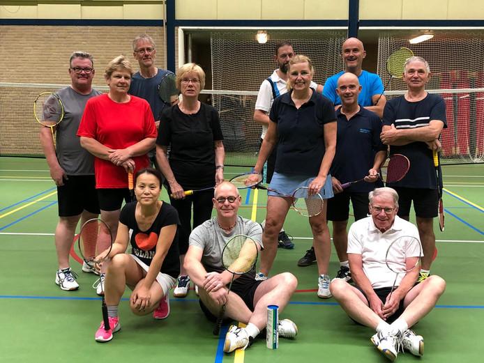 ZBC is een kleine recreatieve sportclub, die nieuwe leden nodig heeft om financieel gezond te blijven.