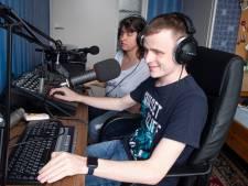 Blinde Sander en Tatjana uit Markelo maken podcast-reeks: 'We zien het soms net even anders'