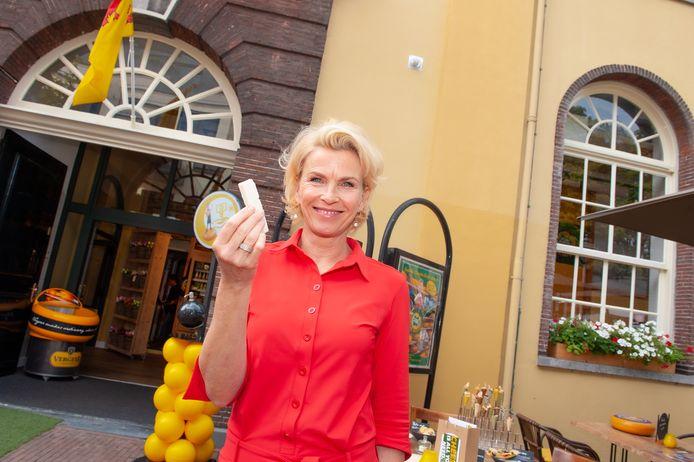 Gouda, Anita Witzier was vrijdag even terug op haar geboortegrond om de Gouda Cheese Awards te presenteren.