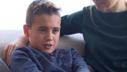 """Axl (11) is een van de enige Belgen die het gen SLC6A1 mist: """"Hij heeft last van epilepsie en kampt met mentale achterstand"""""""