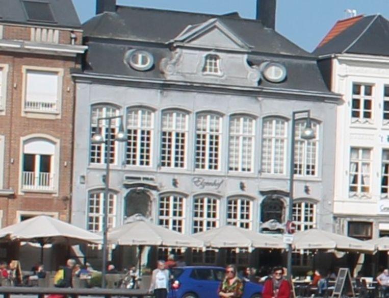 Taverne Elzenhof op de Lierse Grote Markt is al enkele dagen dicht.