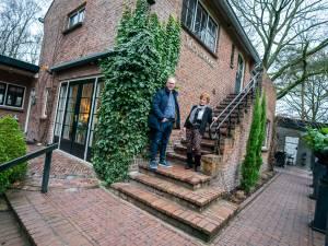 Weimy verkoopt haar huis, waar veel bruidsparen logeerden en duizenden mensen haar tuin bewonderden