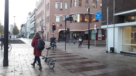 De nieuwe fietspaden bij het station.
