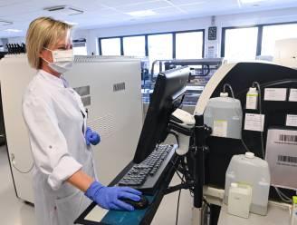 OVERZICHT. Aantal besmettingen stijgt fors tot 491 per dag, ook ziekenhuiscijfers blijven stijgen